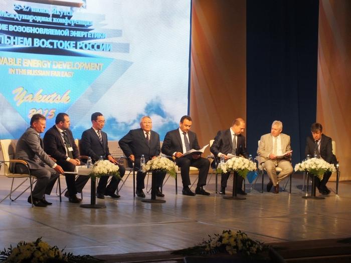 В Якутии запустили крупнейшую солнечную электростанцию за Полярным кругом