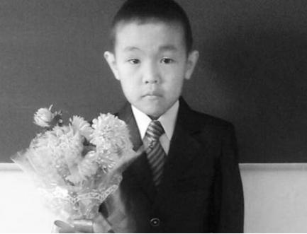 9-летний парень несмог выбраться изгорящего дома вЯкутии