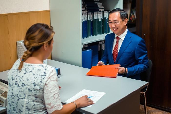 Айсен Николаев выдвинул свою кандидатуру на выборы главы Якутска
