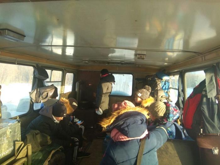 Сзастрявшего судна эвакуированы покрайней мере 16 человек - Служба спасения