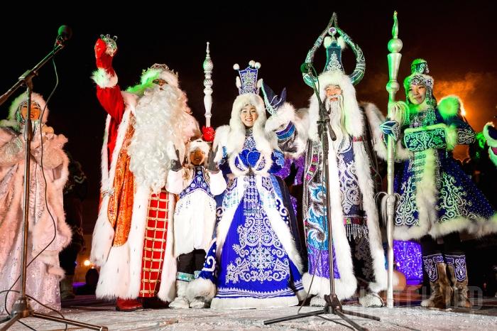Первую в РФ новогоднюю елку зажгут вЯкутии