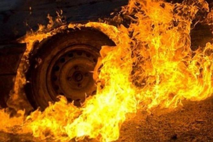 Зажегся микроавтобус сошкольниками— Пожар вЯкутии