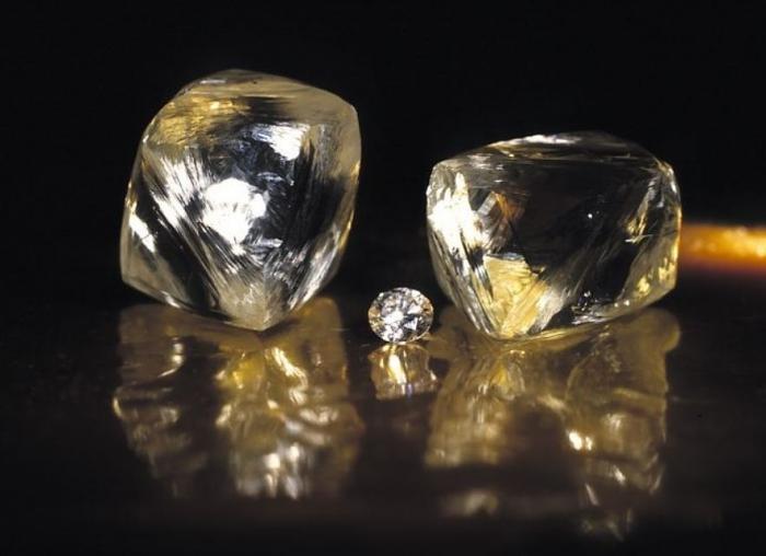ВЯкутии отыскали  два больших  алмаза крайне редкой величины