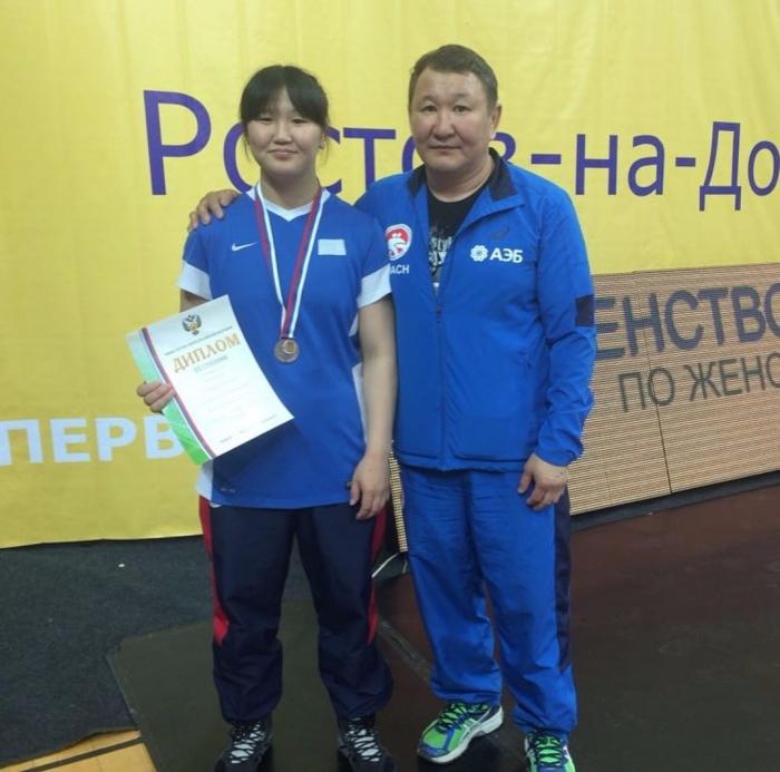 Брянская спортсменка завоевала серебро главенства  РФ  повольной борьбе